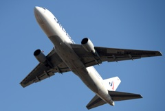 飛び立ち JetAsia 767-233