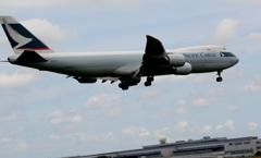 着陸(98)CATHAY CARGO 747