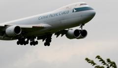 着陸(10-1)PACIFIC Cargo 747-867F[a]