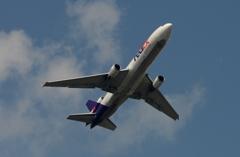 着陸(121)FedEx MD-11