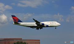 到着 DELTA 747-400 N670US/ジャンボ保存委員会
