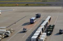 空港風景(15)働く人