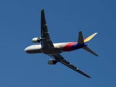 Asiana 777-200ER