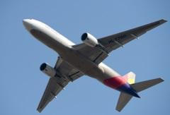 Asiana 777-200 離陸