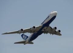 NCA 747-8KZF 飛び立ち