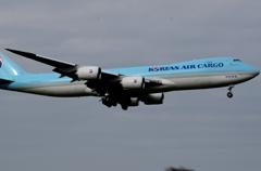 着陸(34-1)Korean Cargo 747-8F [a]