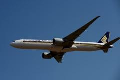 シンガポール 777-312 飛行