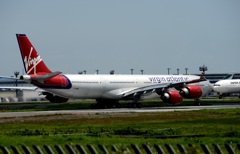 virgin A340-600 Surfer Girl出発
