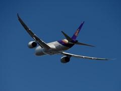 THAI 787-8 出発