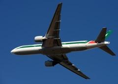 出発 Alitlia 777-243