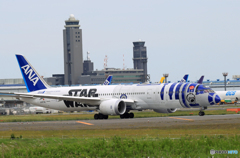 「そらー」 ANA STAR WARS R2-D2 JA873A 離陸