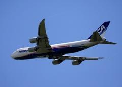 飛行 NCA 747-8KZF