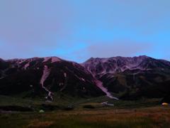 赤く染まる立山