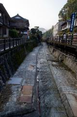 温泉が流れる水路