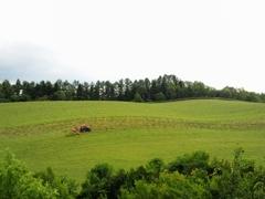 草刈りトラクター