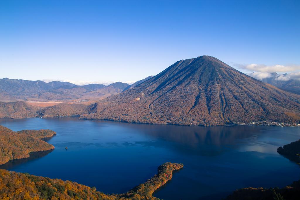 秋の中禅寺湖