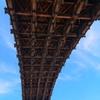 青空に錦帯橋