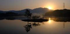 今朝のダム湖