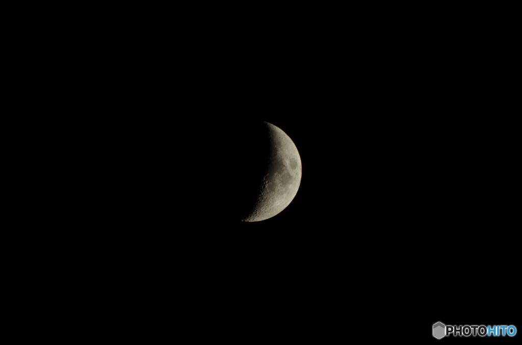 月はやっぱり三日月が綺麗!