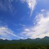 夏空の知床連山。