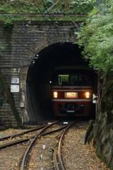 山岳列車(1)-トンネルの先