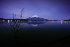 月夜の山中湖で