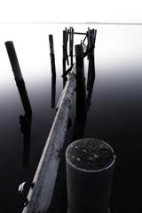 モノクロの湖2
