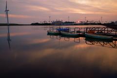 ボート乗り場の夕暮れ