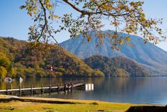秋の湖畔。。♪