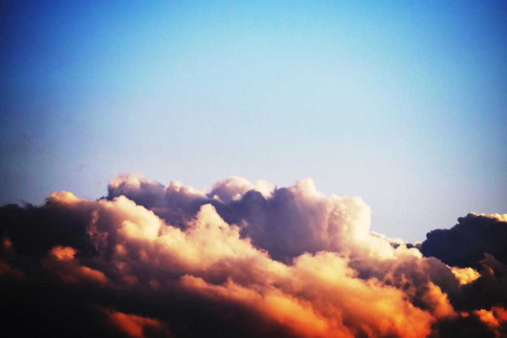 雲の上を思う