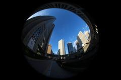 魚眼レンズで撮影した都庁