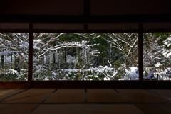 宝泉院 額縁雪景色