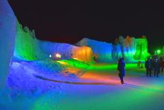 極彩色の氷壁