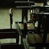 錆びた小学校の椅子