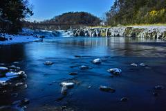 冬晴れの阿武隈川