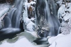 雪彩明神滝 2