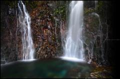 岩壁の彩 六 ~聖なる滝壺~
