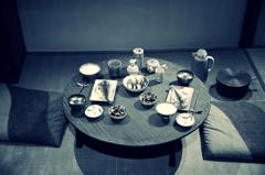 質素な食卓 モノクロバージョン