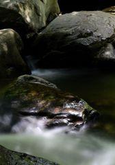 癒しの渓谷 四 ~輝く岩~