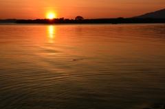 沈み出す太陽