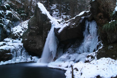 厳冬滝川渓谷 ~おぼろ滝~ 2
