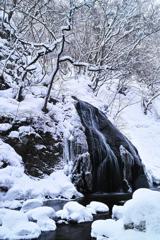雪彩馬尾滝 2