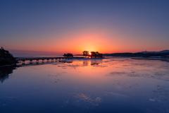 氷結の夜明け