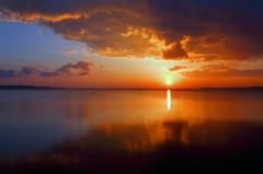 湖の夜明け II