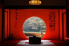 雛祭りの円窓