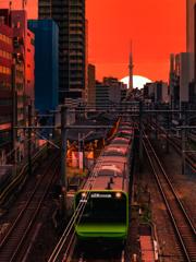都会の夜明け