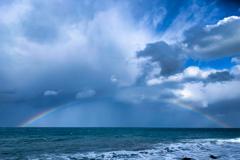 大荒れの虹