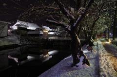 雪夜の太鼓門