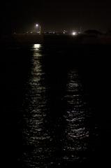 深夜、海の輝き。