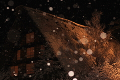 雪の中の合掌造り